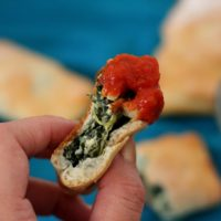 Easy Mini Spinach Calzones #SundaySupper