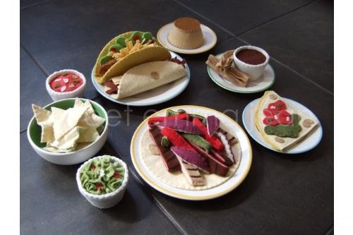Plates of Mexican felt food