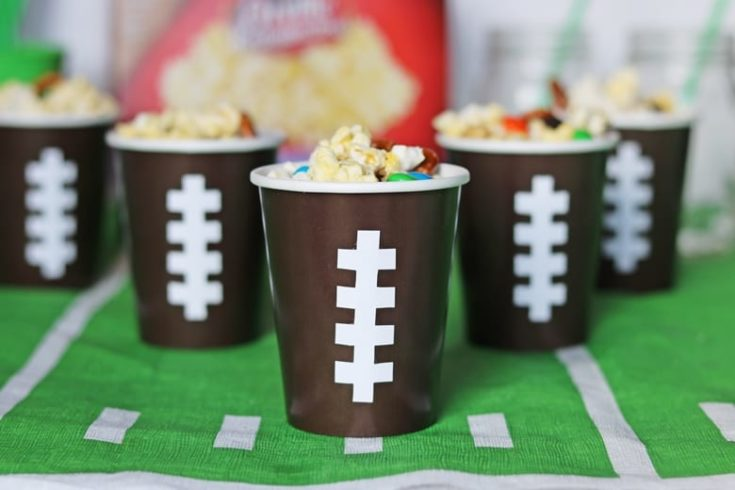 2-Minute Sweet and Salty Snack Mix Recipe + DIY Football Cups