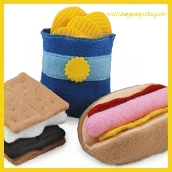 CAMPING SET - (Hot Dog, Bun, Chips, S'more)